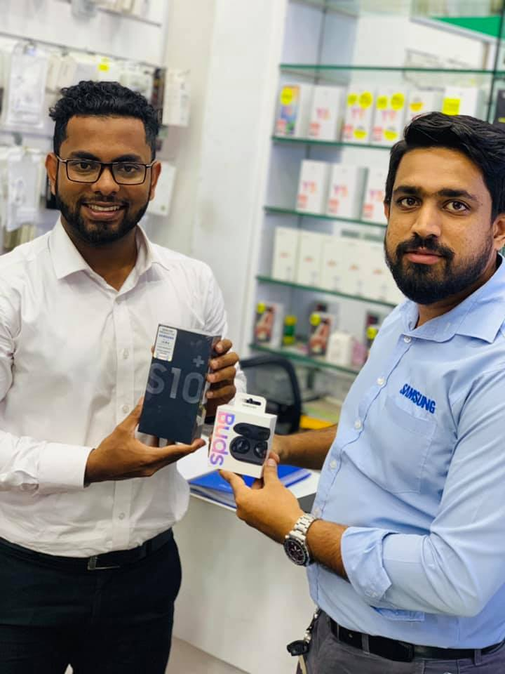 Mobile care Another happy Customer with his new Galaxy S10+
